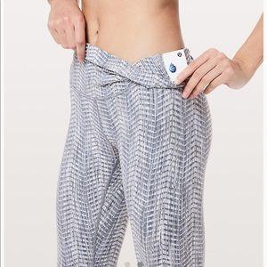 lululemon athletica Pants - Lululemon Wunder Under High Rise Luon Legging